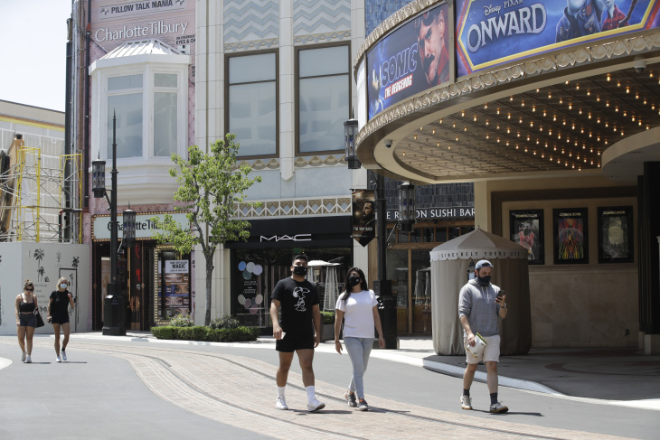 La Area Malls Are Starting To Reopen
