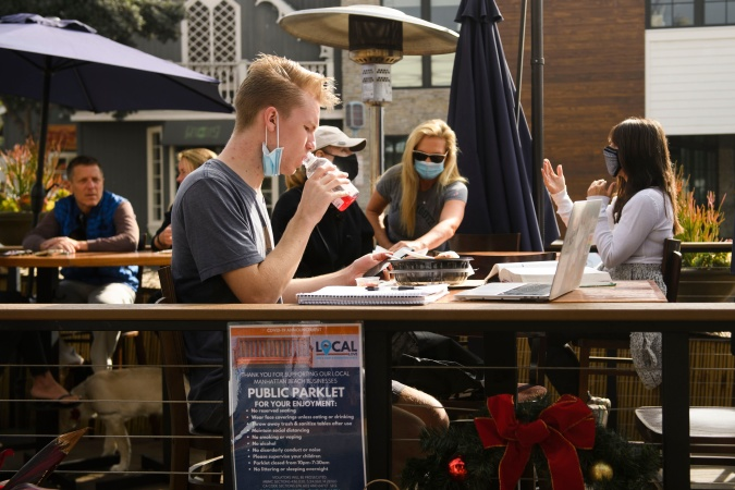 More SoCal Restaurants Are Openly Defying The Outdoor Dining Ban