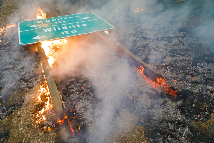 These Photos Of The Woolsey Fire In Malibu Show How Intense And