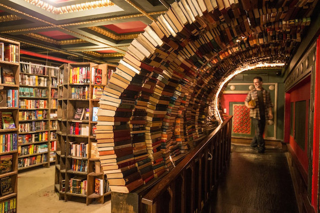 last_bookstore_sai.jpeg