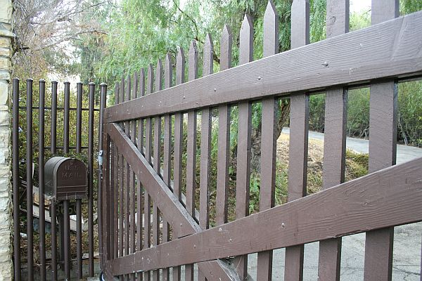 Oakridge Gates