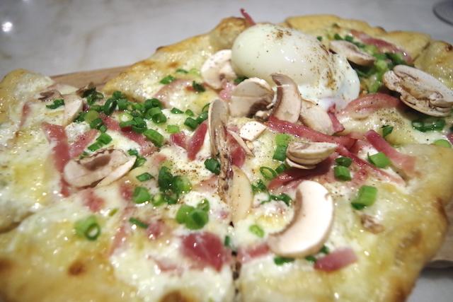 wally_pizza.JPG