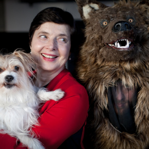 How Isabella Rossellini Went From Model/Actress To Chicken Farmer/Animal Behaviorist