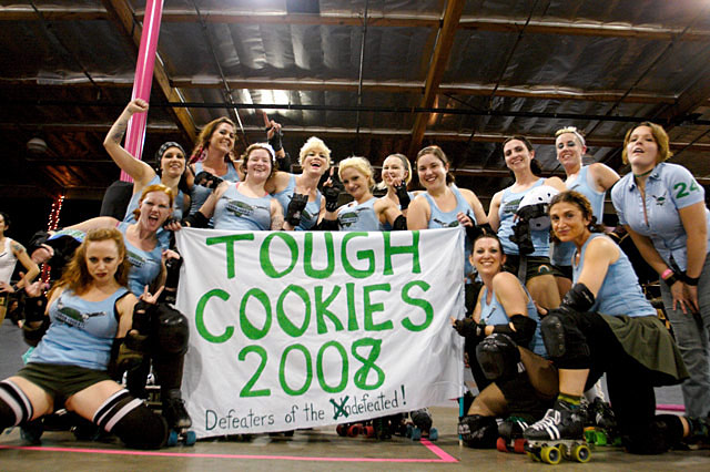 tough_cookies team photo la derby dolls