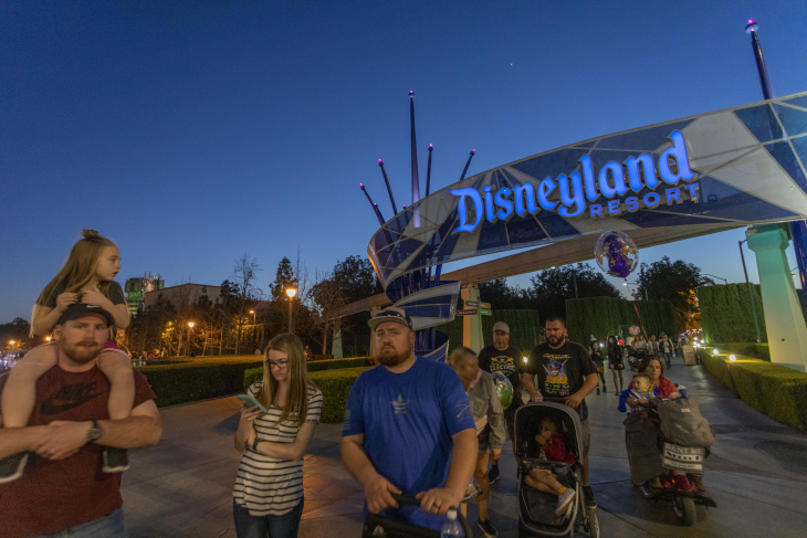 Disneyland Pushes Back Its Reopening As New Cases Surge In ...