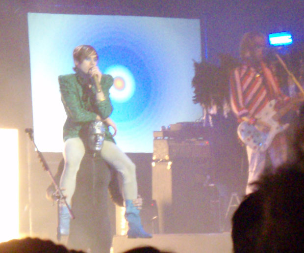 Kevin Barnes gets a lift at Of Montreal's Avalon concert on 11/8/07