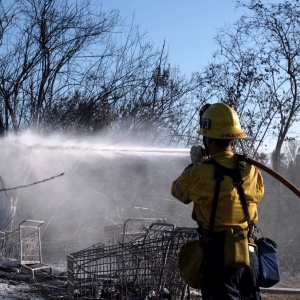 Brush Fire In Sepulveda Basin Caused 'Pure Pandemonium' Among Homeless Forced To Evacuate