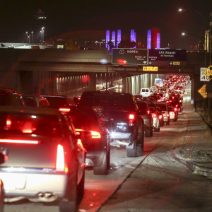 How To Survive The Oh-So-Terrible LAX Traffic This Holiday Season