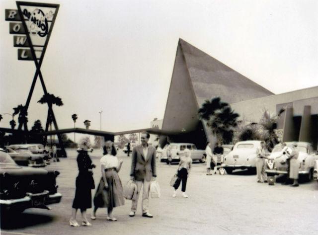 Covina_Bowl_Courtesy_International_Bowling_Museum_Hall_of_Fame.jpg