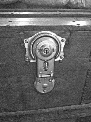 chest lock