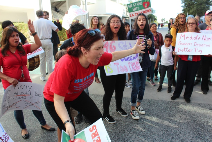 Teachers Union Leader We Wont Work With >> Lausd Makes New Offer To Teachers Union Union Leaders Call It A