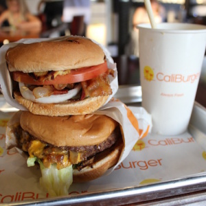 Former In-N-Out Knockoff CaliBurger Goes Hi-Tech In Pasadena