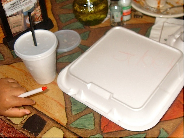 strofoam-takeout-containers.jpg
