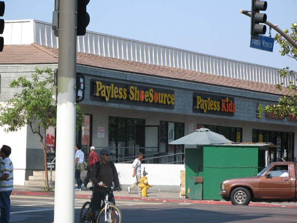 the Payless that got looted in the rodney king riot