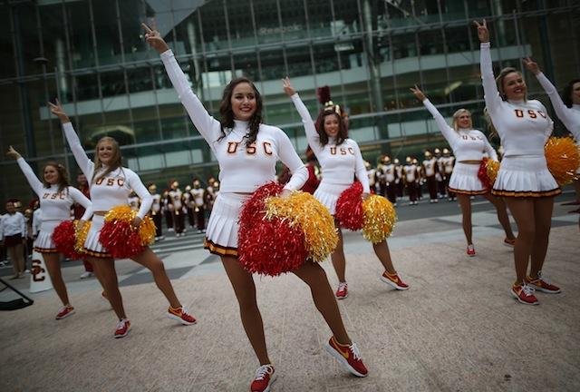 usc-trojan-cheerleaders.jpg