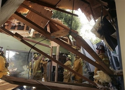 Cessna Plane Crashes into Compton Home 4 Injured