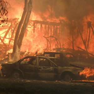 Woolsey Fire Burning Out Of Control; All Of Malibu, Hidden Hills Ordered To Evacuate