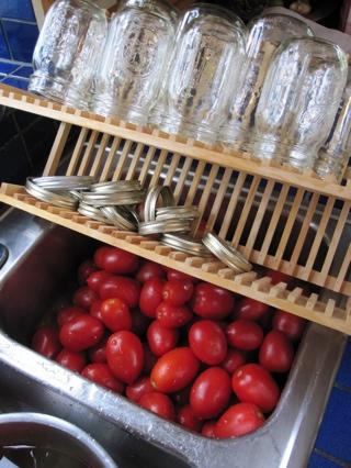 tomatoesandjars.jpg