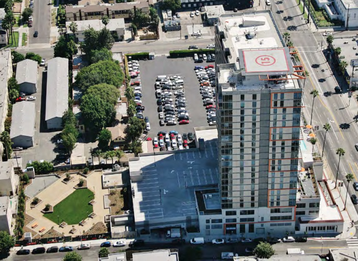 The High Rise Apartments And Public Park At Sunset Boulevard Gordon Street In Hollywood Has Been Vacant For More Than Three Years