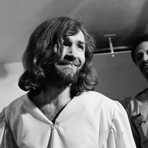 Your Guide To The Manson Family Members (And Where They Are Now)