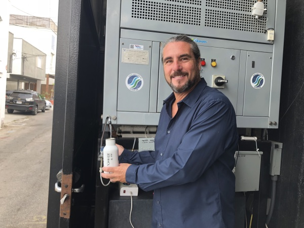 This Man Knows How To Make Drinking Water Out Of Thin Air
