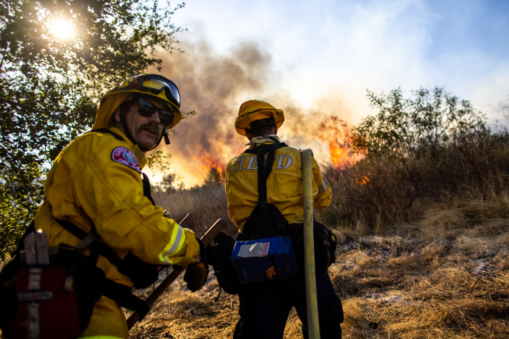 25,000 Evacuated As The Bond Fire Burns In Orange County: Latest Updates