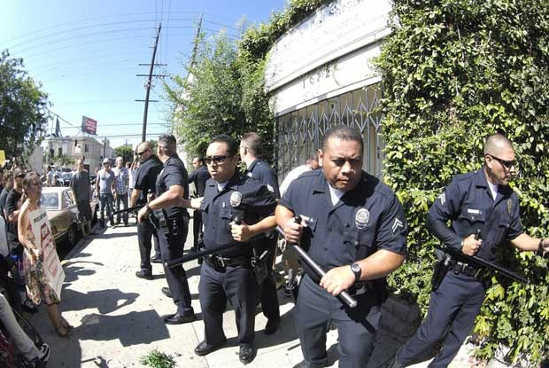 LAPD holds the line