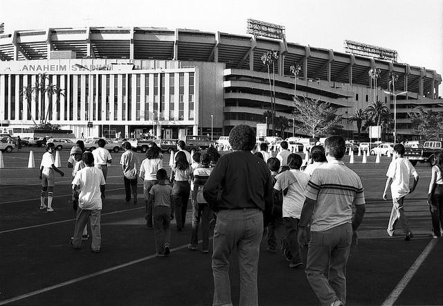 anaheim_stadium.jpg
