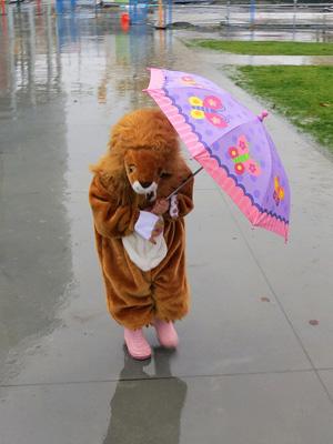 rain_sad_lion_girl-300.jpg