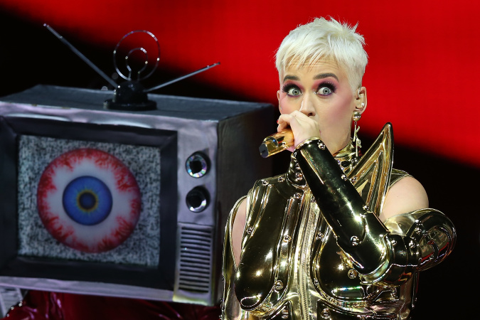 Katy Perry's Playing An LA Concert, But It's Only For Fans With A Certain Credit Card