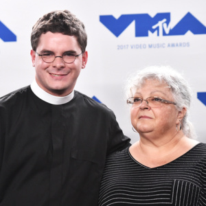 Video: Heather Heyer's Mother Joined By Robert E. Lee's Relative At MTV VMAs