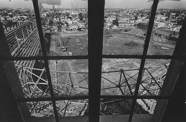 Wrigley_Demolition.jpg