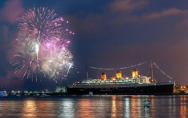 queen-mary-fireworks1.jpg