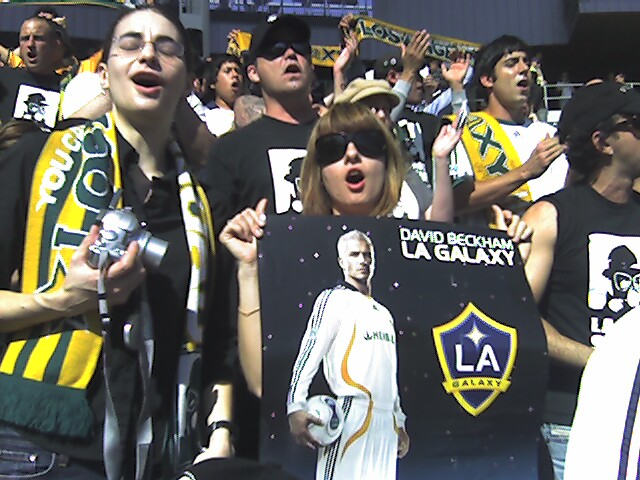 David Bekham makes it to Los Angeles
